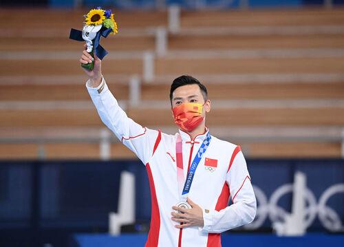 程敏-(东京奥运会)(1)蹦床——男子决赛:中-FZ00037021468.jpg